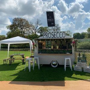 Prosecco Garden Front